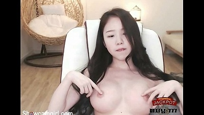 Korean hot babe show her mamma on webcam - showcamgirl.com