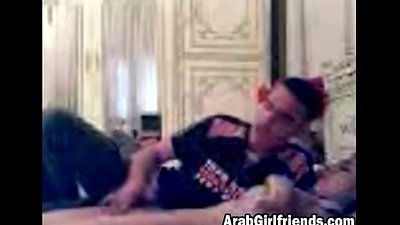 Amateur Arab Girlfriend Gets Her Love button Stroked