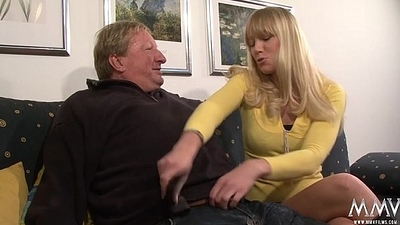 Horny blonde toddler does old guy a favour